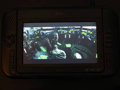 Review: iLuv i1055 / Zeon Z1055 7-Inch Portable Tablet Style DVD Player for iPod with video