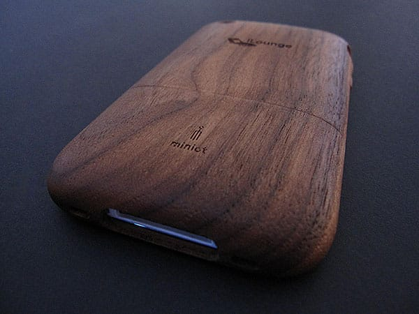Review: Miniot iWood 3G with Dock