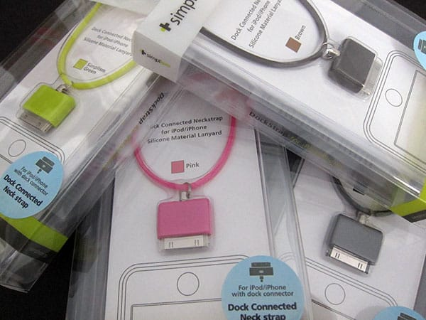 First Look: Simplism DockStrap for iPod/iPhone