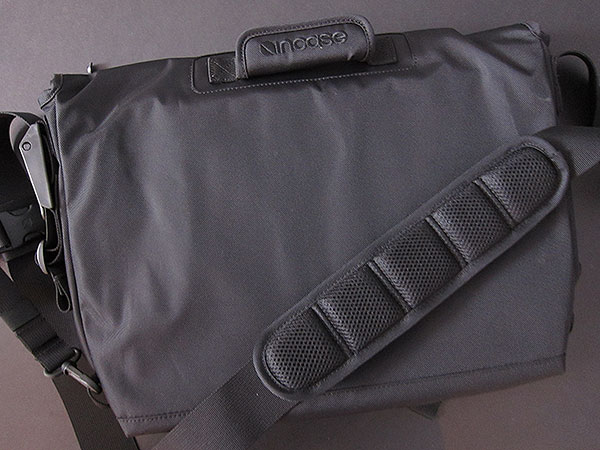 On Carrying Shrinking Macs, or, Incase's Messenger Bags + Coated Canvas Sleeves