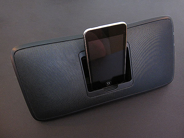 Review: Logitech Rechargeable Speaker S315i for iPod + iPhone