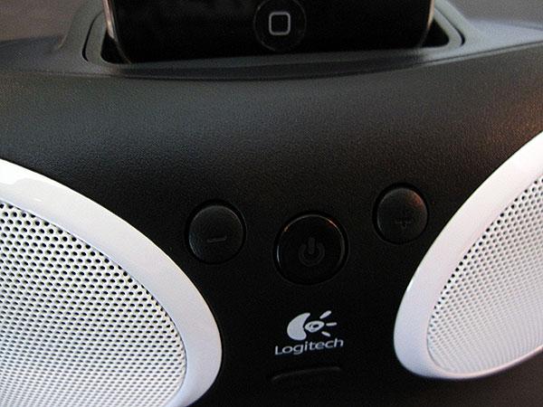 Review: Logitech Portable Speaker S125i for iPod