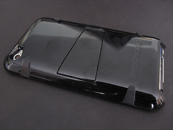 Review: Scosche kickBACK T4 for iPod touch 4G