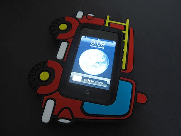 First Look: Incipio Lab Butterfly + Fire Engine for iPod touch 2G
