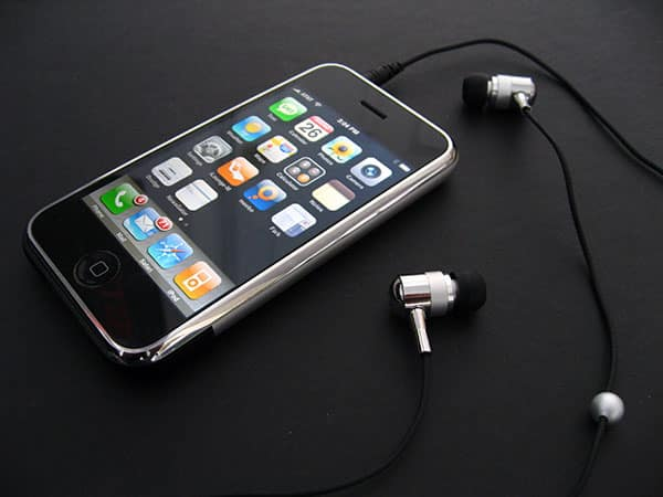 Review: Maximo iP-HS2 iMetal Isolation Headset for iPhone