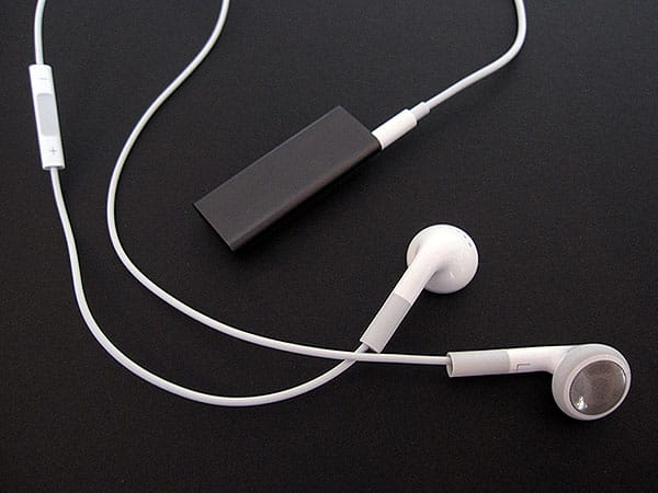 Review: Apple iPod shuffle (Third-Generation)