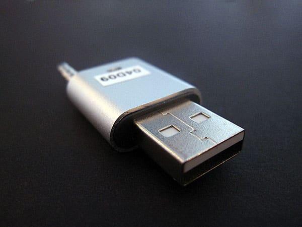 Review: Dexim Shu-Lip for iPod shuffle 3G