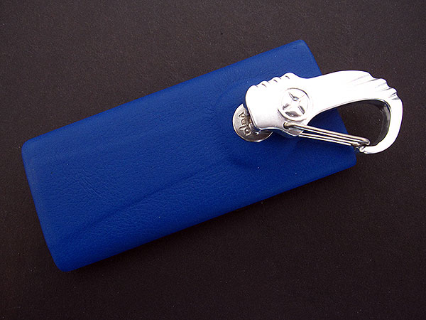 First Look: Vaja iVolution Grip for iPod nano 4G