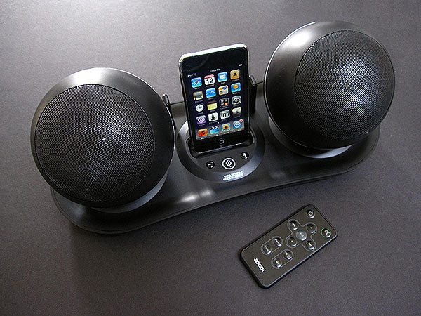 Review: Jensen JiSS-585 Docking Station with RF Wireless Speakers for iPod