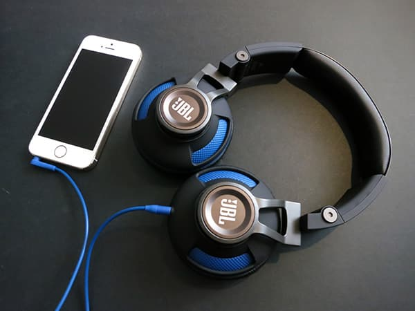 Review: JBL Synchros S300i Stereo Headphones