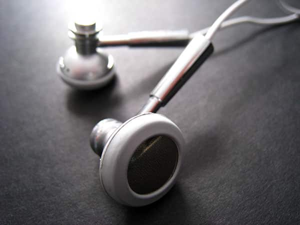 Review: Maximo iP-HS1 iMetal Stereo Headset for iPhone