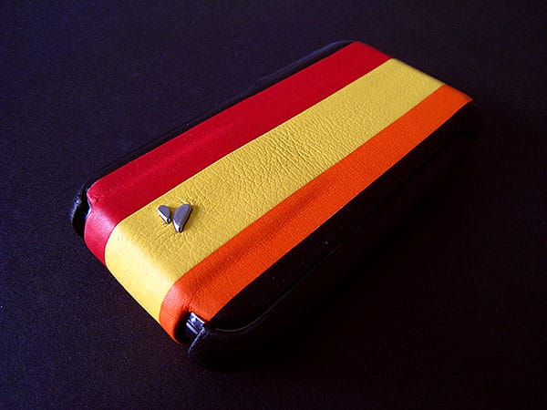 Review: Vaja iVolution Stripes for iPhone
