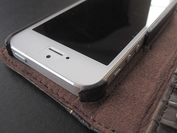 Review: Twelve South BookBook for iPhone 5