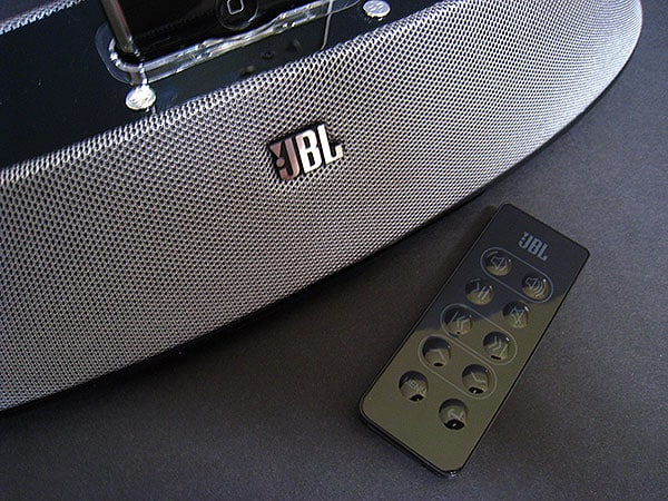 Review: JBL On Stage 200ID