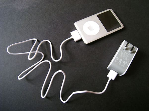 Review: Griffin PowerBlock for iPod and iPhone (2008)