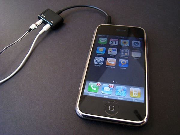 Review: DLO Headphone Splitter for iPhone and iPod