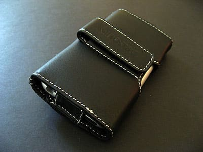 Review: Incase Leather Folio for iPhone