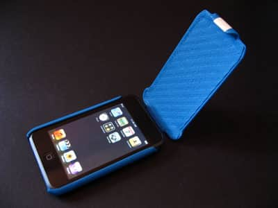 Review: Vaja iVolution Top SP Holster for iPod touch