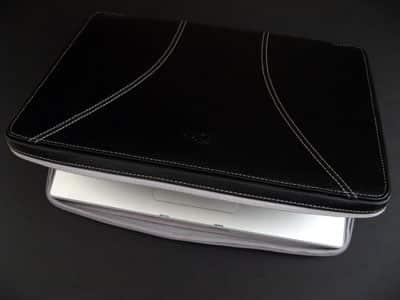 Soho from iSkin for MacBook & Pro
