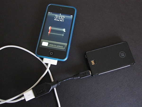 Review: Third Rail Mobility Slim Case for iPhone 4 with Slide-on Smart Battery