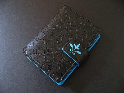 Review: Pacific Design iPod nano Flip Wallet