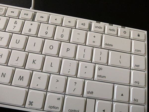 Review: Macally IKEYLT Full-Size Keyboard With Lightning