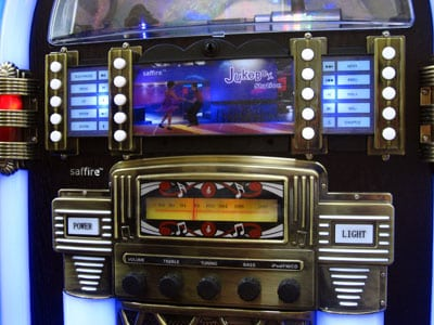 Review: Saffire JukeBox Station with Universal Dock for iPod