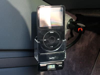 Preview: Griffin TuneFlex for iPod Flexible Cradle and Charger