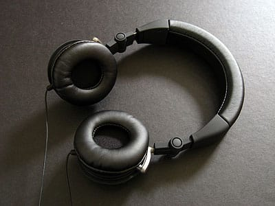 First Look: JBL Reference 410 Headphones