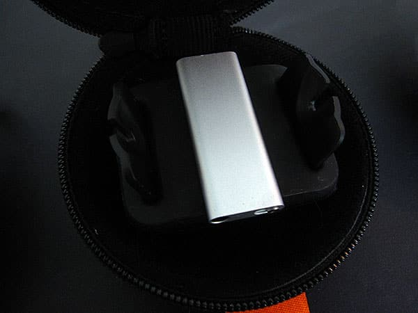 Review: Speck TechStyle Puck All-in-One Carrying Case for iPod shuffle 2G/3G
