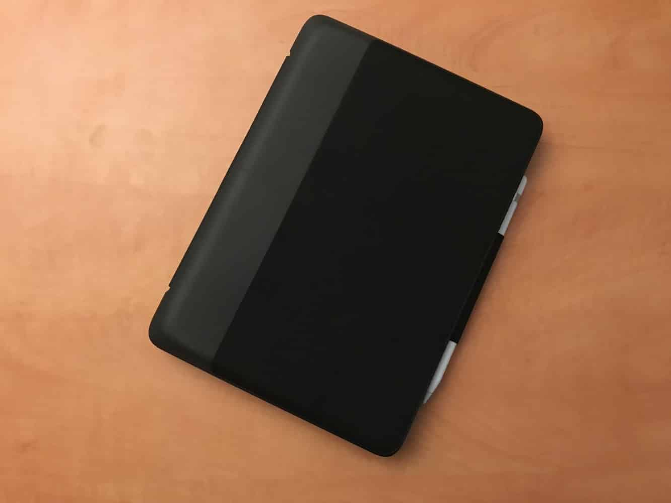 """Review: Logitech Slim Combo Keyboard Case for 10.5"""" iPad Pro"""