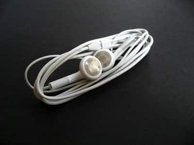 Review: Apple Computer iPod Earphones (9/2006)