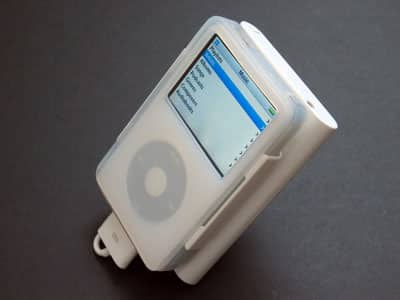 First Look: BTI i-Zleeve Complete On-The-Go Kit for iPod 5G
