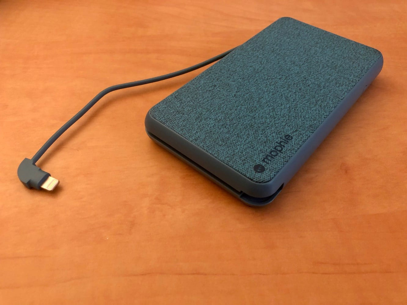 Review: Mophie Powerstation Plus XL 10,000 mAh Portable Charger with Lightning and Wireless Charging