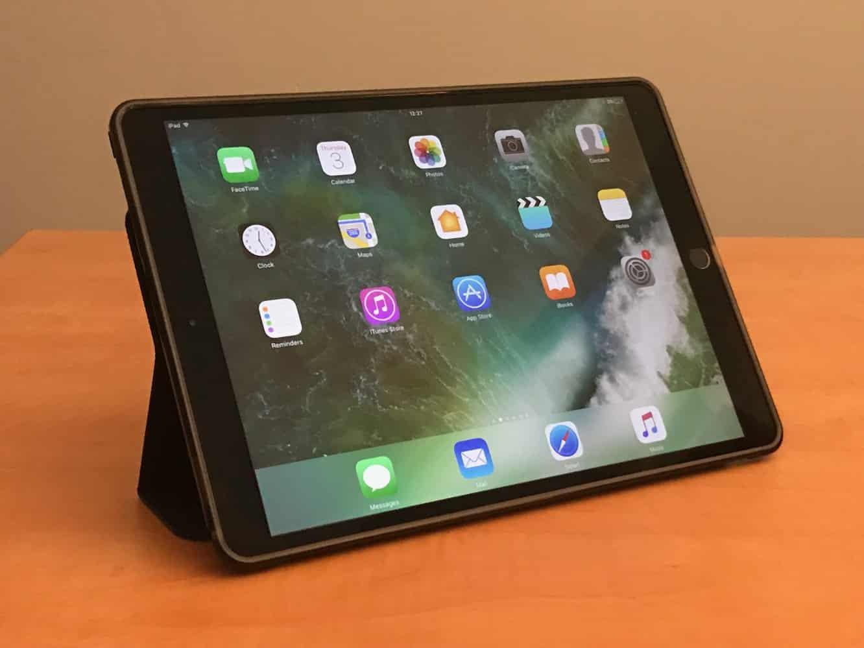 """Incipio Octane Pure Transparent Folio Case for 10.5"""" iPad Pro"""