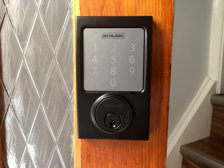 Review: Schlage Sense Smart Deadbolt with HomeKit support