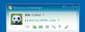Showing current track in Windows Messenger