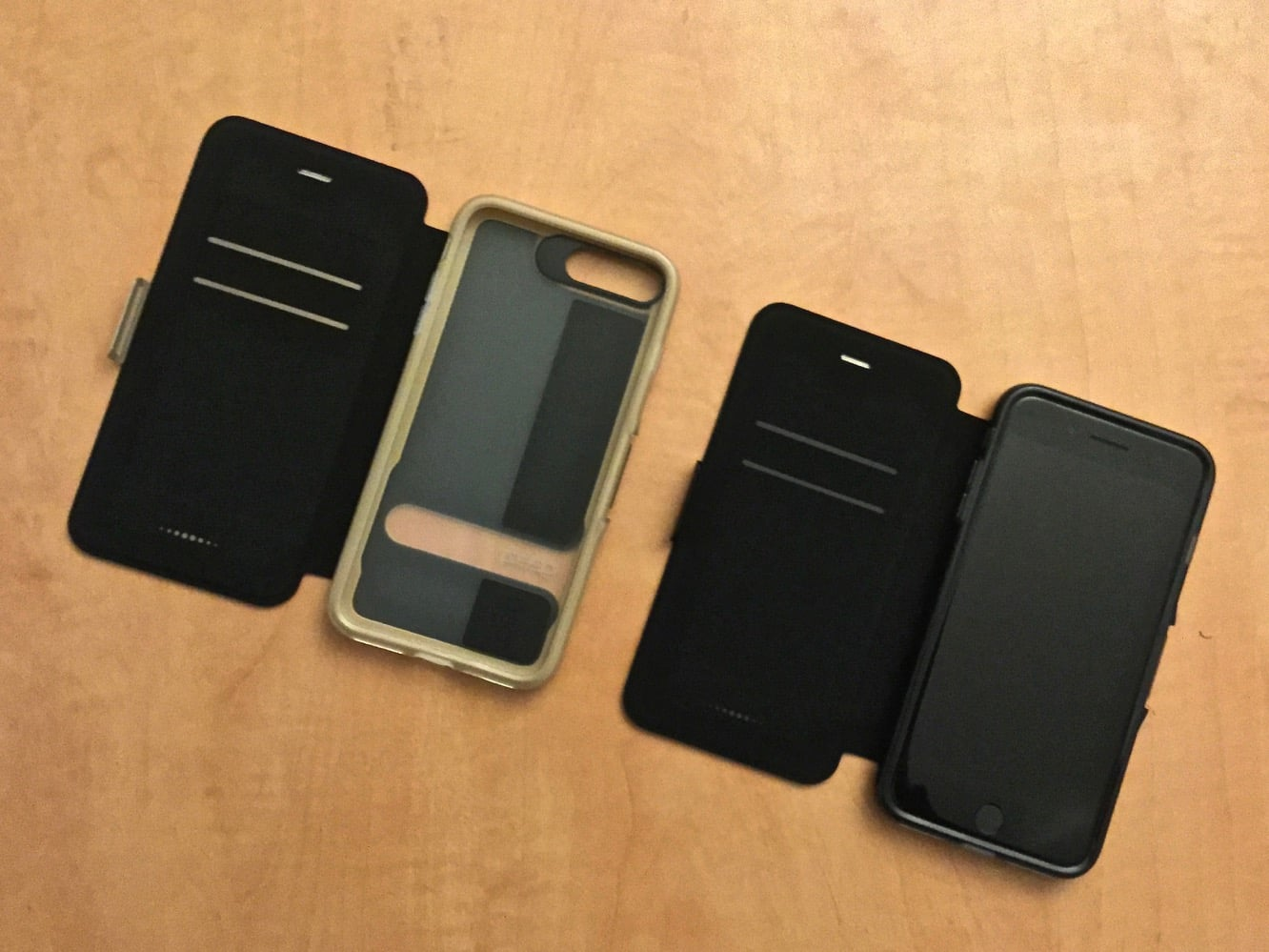 Gear4 Oxford Bookcase for iPhone 7 Plus