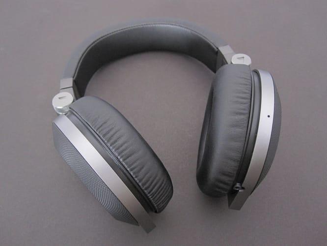 Review: JBL Synchros E50BT Over-Ear Headphones