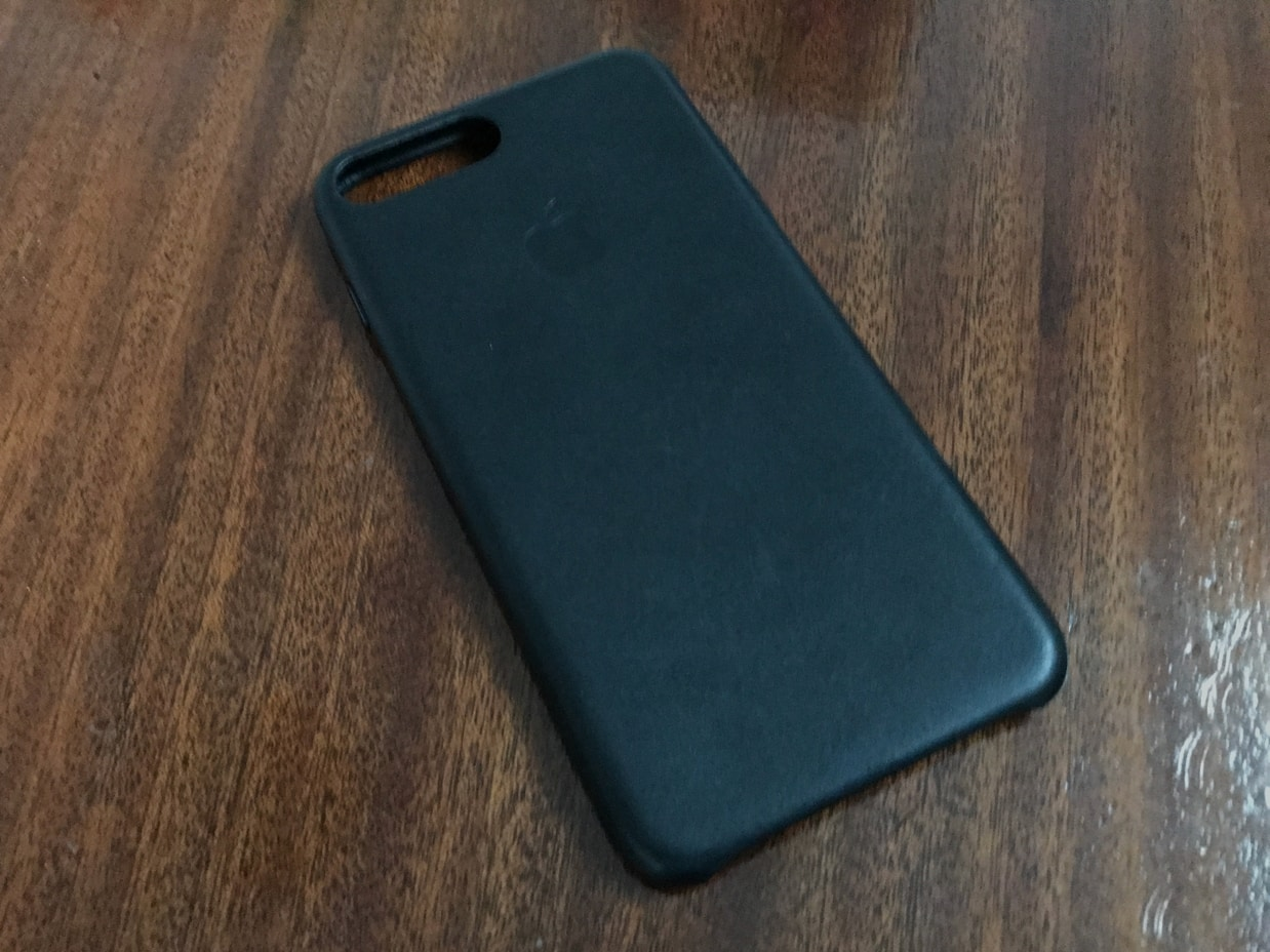 Review: Apple iPhone 7 Plus Leather Case