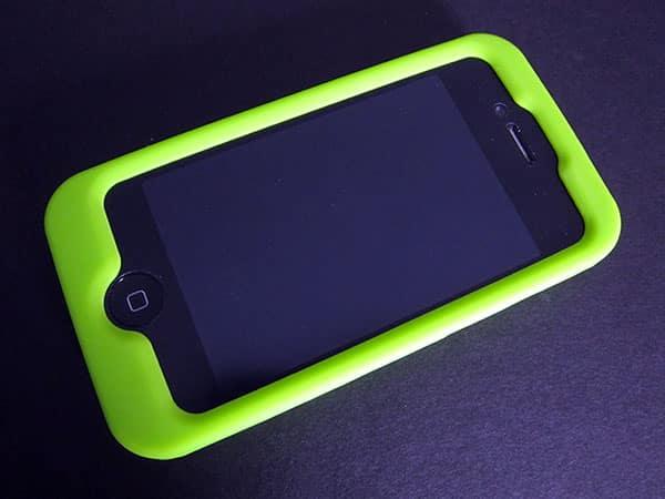 First Look: Incipio Alpinestars Bionic + Tech 10 Cases for iPhone 4