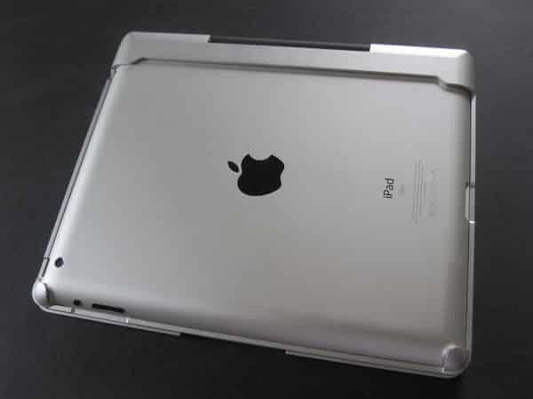 Review: CruxCase CruxSkunk Keyboard Case for iPad 2, iPad (3rd/4th-Gen)
