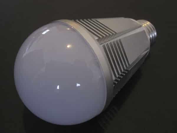 Review: Tabu Lumen TL800 App Enabled LED Color Smart Bulb