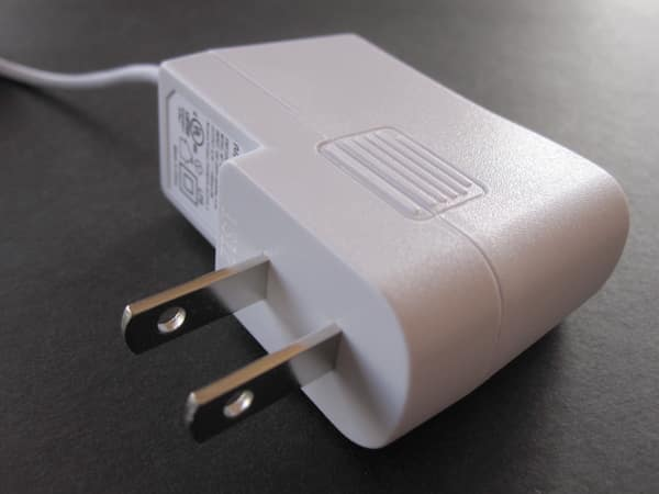 Review: Monoprice Wall Charger with Lightning Connector