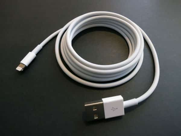 Review: Apple Lightning to USB Cable (2m)