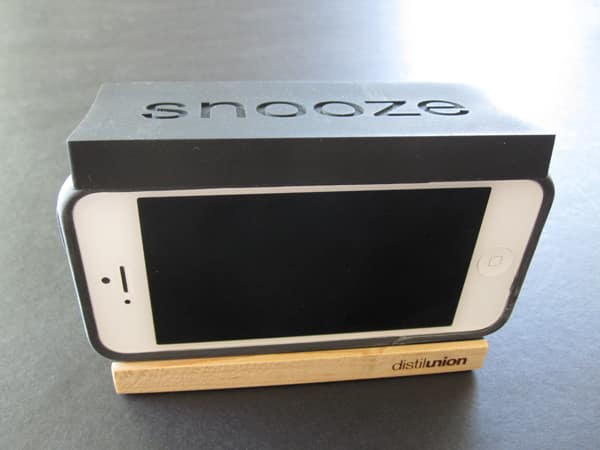 Review: Distil Union Snooze Alarm Dock for iPhone 4/4S/5