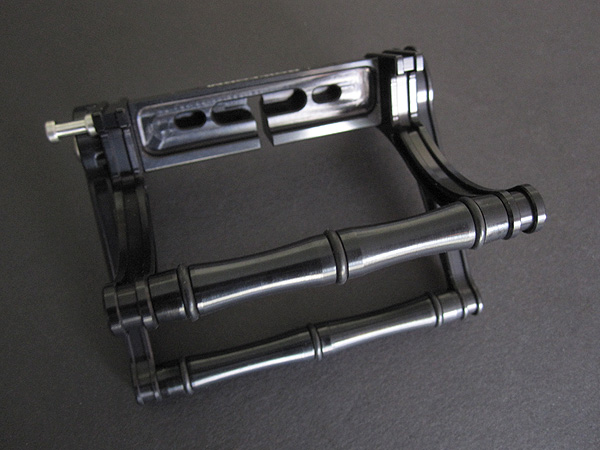 First Look: Rokform Rokstand V.1 Folding Stand for iPhone 4
