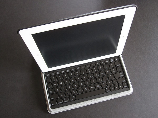 Review: Targus Versavu Keyboard and Case for iPad 2
