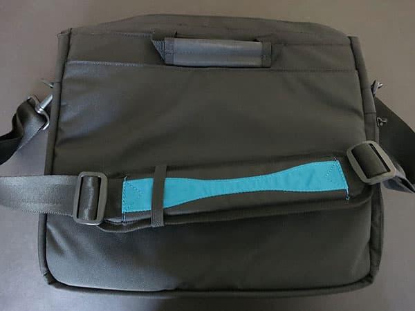 Review: Skooba Tablet Messenger V.3