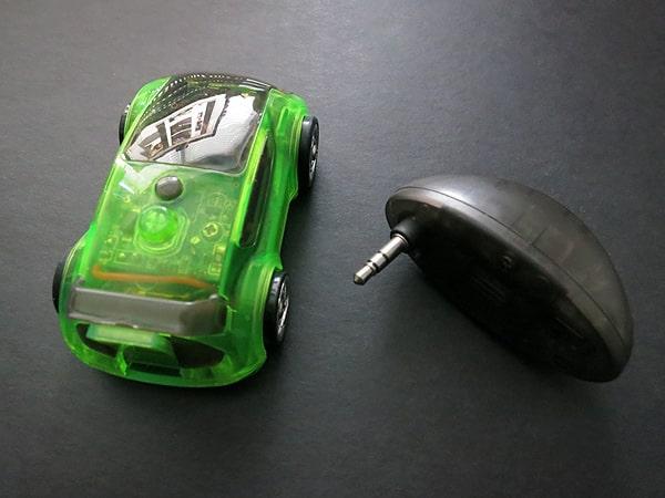 Review: Desk Pets CarBot